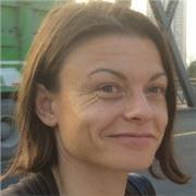 Professeur d'anglais ayant travaillé sept années en Angleterre dans le domainescientifique, offre des cours de soutien scolaire en anglais