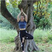 Bonjour, Professeure de yoga certifiée Yoga Alliance, je suis là pour vous aider à retrouver un équilibre émotionnel physique et corporel grâce à des techniques basées sur le souffle, la souplesse et le renforcement musculaire. J'utilise la méditation com