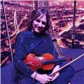 Tengo mas de 20 años de experiencia cono profesora de violín.he trabajado en orquestas.14 años en la orquesta filarmónica de medellín,grupos musicales