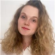 Etudiante en bicursus Sciences Po Paris et Sorbonne université, offre des cours particuliers en ligne