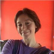 Jeune fille de 18 ans, étudiante en Psychologie, propose des cours de Français