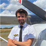 Étudiant pilote de ligne offre des cours particuliers tous niveaux, de la primaire au lycée
