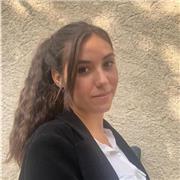 Etudiante en marketing proposant des cours particuliers de français :)