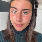 Jeune fille bilingue et élève en section internationale Américaine propose cours d'Anglais