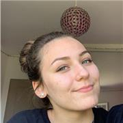 Jeune étudiante spécialisée en Science de la Vie et de la Terre qui ne cherche qu'à faire appendre!