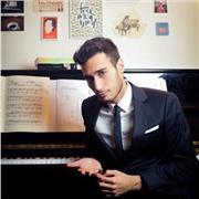 Pianiste concertiste, diplômé de l'École Normale de Musique de Paris, propose des cours à domicile pour touts niveaux