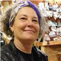 Escritora, y promotora de la lectura ofrece clases para estimular la escritura creativa y animar a la lectura