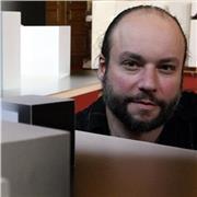 Artiste Plasticien proche Strasbourg, enseigne la photographie (prise de vue, cadrage etc...)