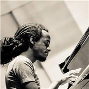 Donne cours de Cours piano Jazz/Blues à Lille et ses alentours. Vous pouvez me contacter au