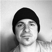 Compositeur, artiste electro, prof de théorie du son, ancien SAE Paris donne cours de MAO, mixage audio 25e/H