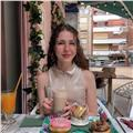 Soy estudiante de traducción e interpretación especializada en inglés, también con francés, chino y catalán